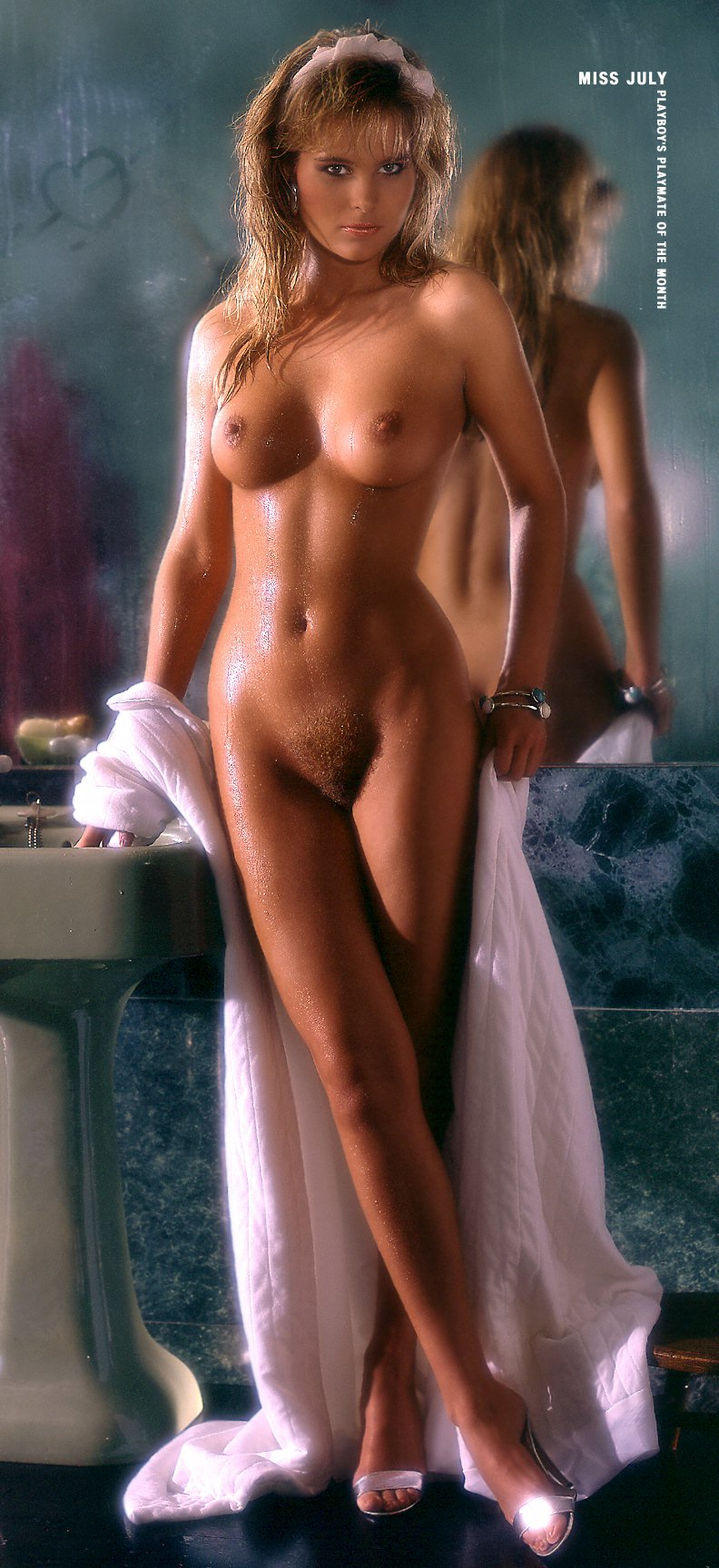 duenn busty nackt